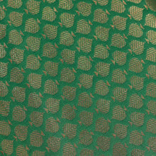 Load image into Gallery viewer, Green Leaf Pattern Woven Zari Banarasi Fabric