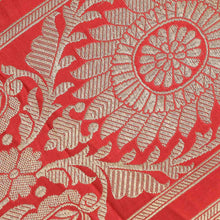 Load image into Gallery viewer, Red Floral Pattern Woven Zari Banarasi Fabric