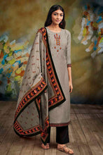 Load image into Gallery viewer, Grey Bemberg Silk Kurta with Lawn Printed Dupatta