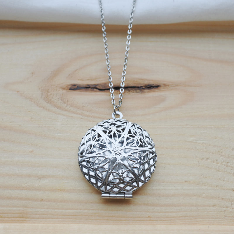 Celtic Star Diffuser Necklace