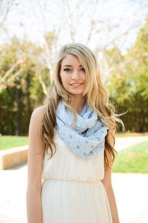 Whimsical Floral Daisy Design Infinity Loop Scarf in Light Blue