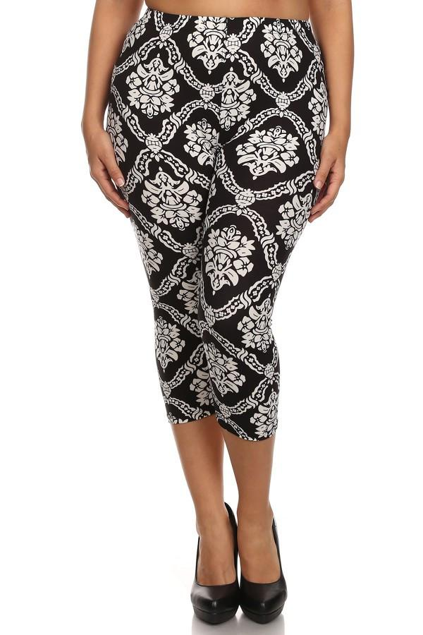 Damask Design Plus Size Capri Leggings - Niobe Clothing - 1