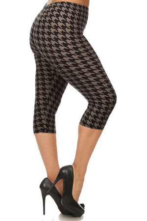 Black/Grey Houndstooth Design Plus Size Capri Leggings leggings- Niobe Clothing