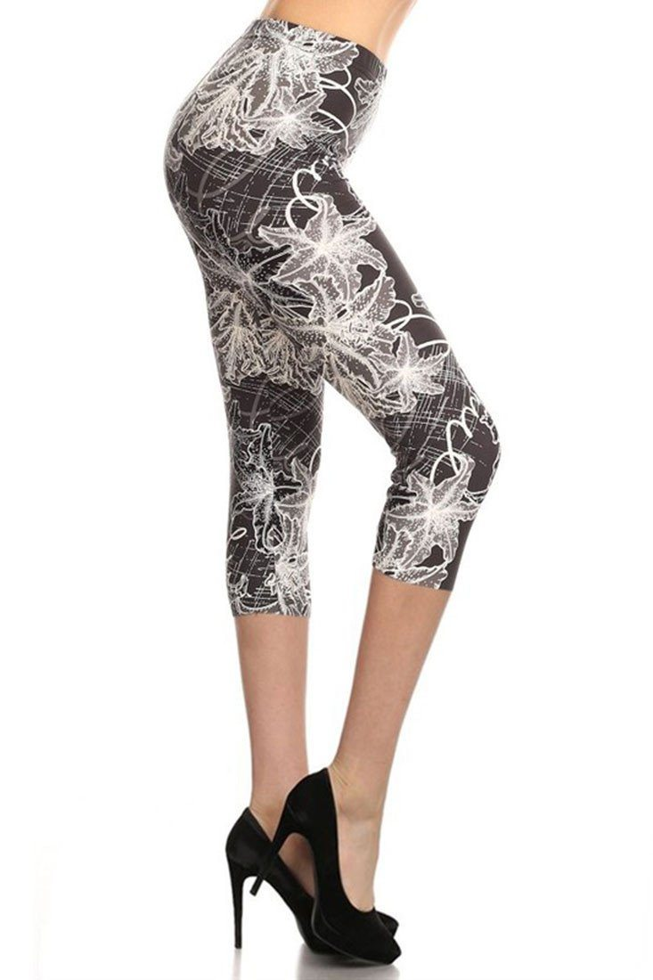Shadow Illumination Design Plus Size Capri Leggings-leggings-Niobe Clothing