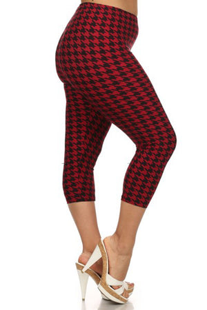 Black Red Geo Plus Size Capri Leggings leggings- Niobe Clothing