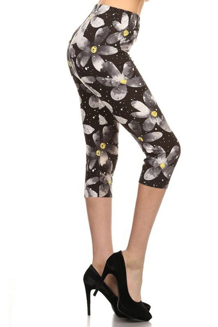 Daisy Nightfall Design Plus Size Capri Leggings leggings- Niobe Clothing