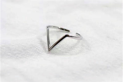 V-shaped Ring
