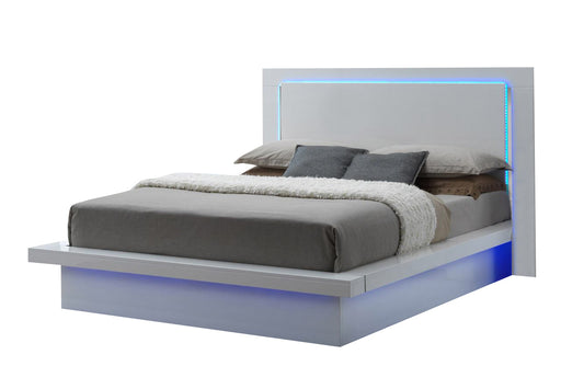 New Classic Sapphire Queen Platform Bed in White image