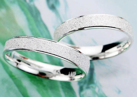 Zuringa Sterling Silver Minimalist Frosted Ring