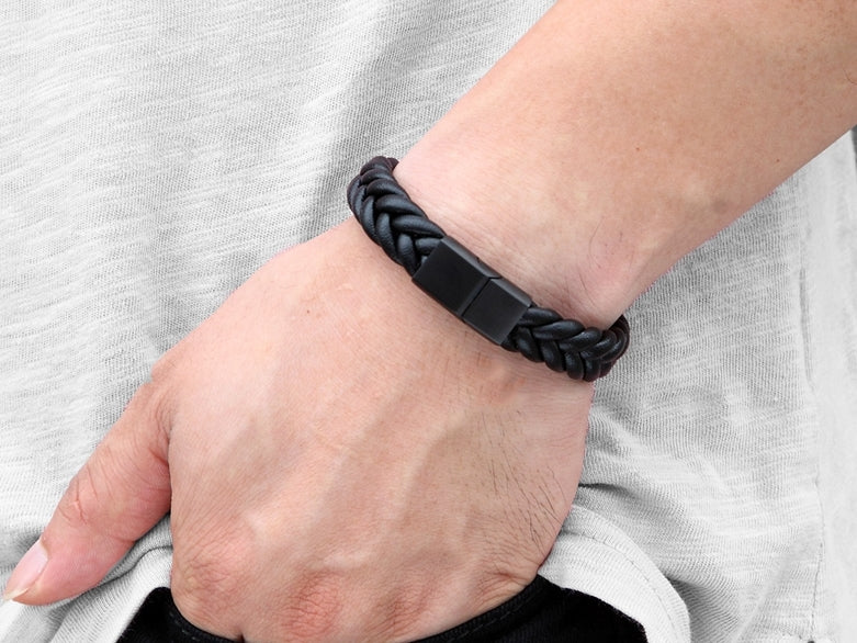 Zuringa Men's thick braided bracelet with magnetic slot clasp.