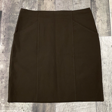 Load image into Gallery viewer, Theory brown skirt - Hers size 8