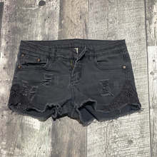 Load image into Gallery viewer, Ardene black jean shorts - Hers size 5