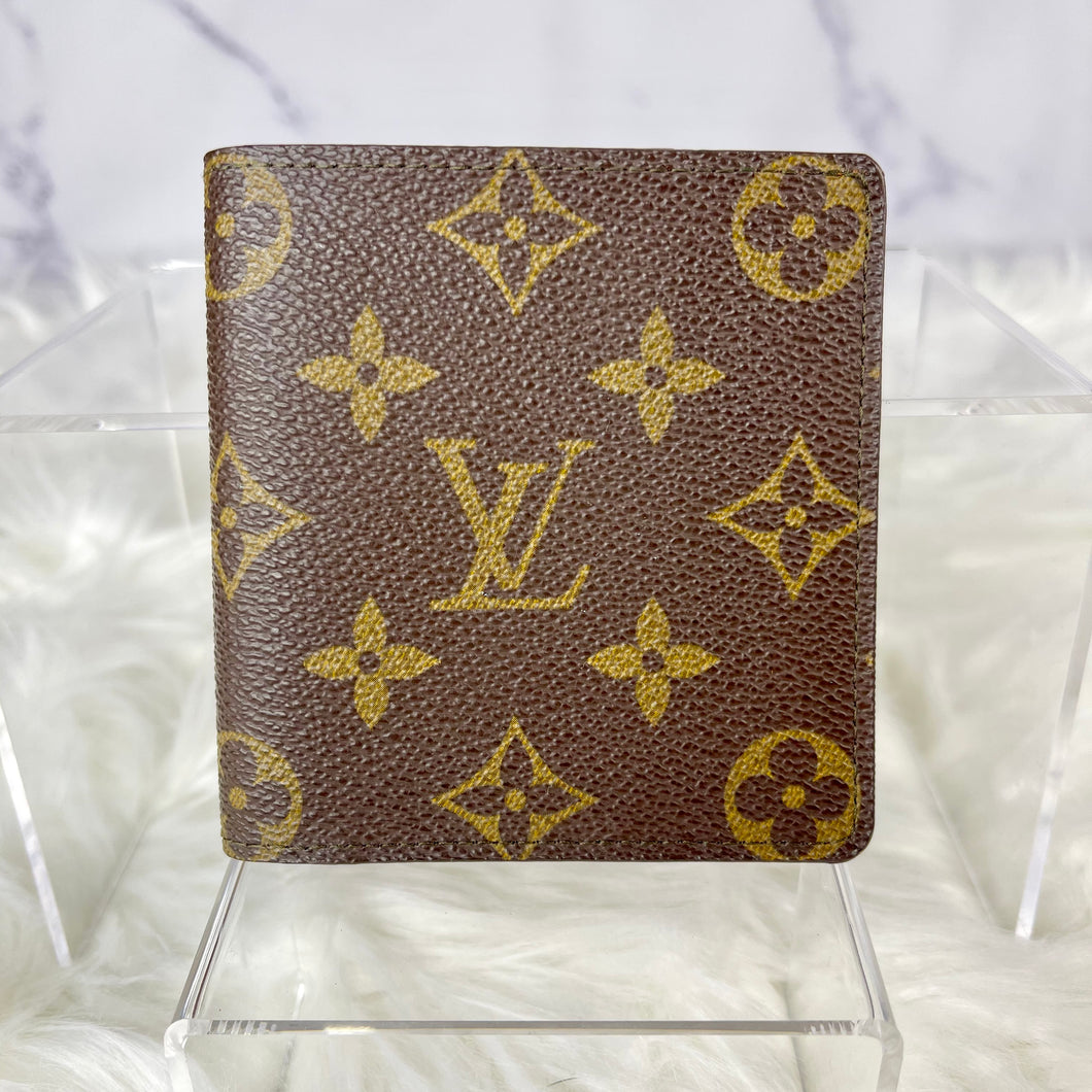 AUTHENTIC LOUIS VUITTON MEN'S BIFOLD WALLET MONOGRAM (AN1900)
