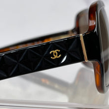 Load image into Gallery viewer, AUTHENTIC CHANEL SUNGLASSES COMPLETE SET WITH BOX (BC10998103)