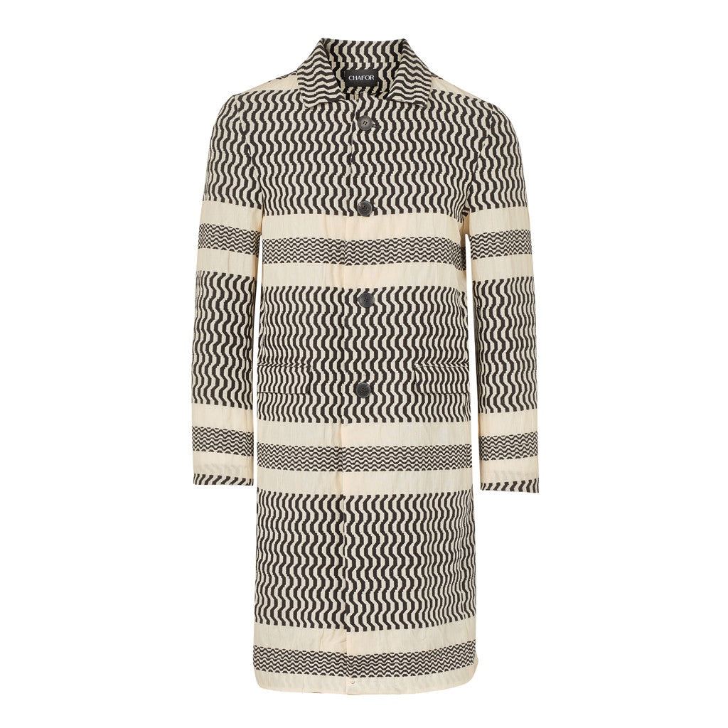 C446 Statement coat with black and white pattern