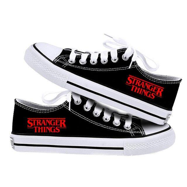 Chaussures basse Stranger Things Black Classic | La Boutique Stranger Things