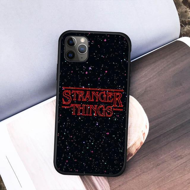 Coque iPhone Stranger Things étoiles | La Boutique Stranger Things