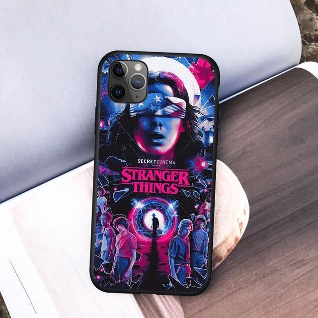 Coque iPhone Stranger Things colorée | La Boutique Stranger Things