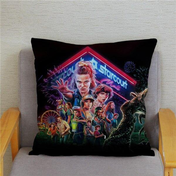 Coussin Stranger Things affiche S3