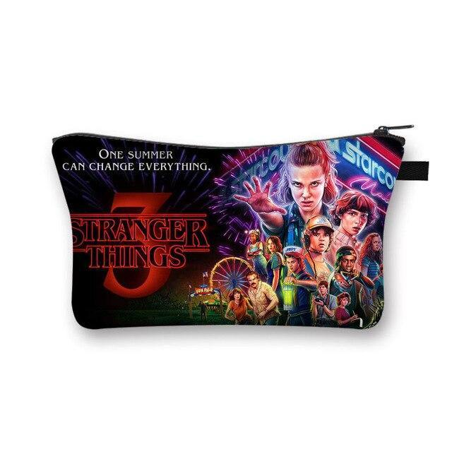 Trousse légère Stranger Things S3 personnages | La Boutique Stranger Things
