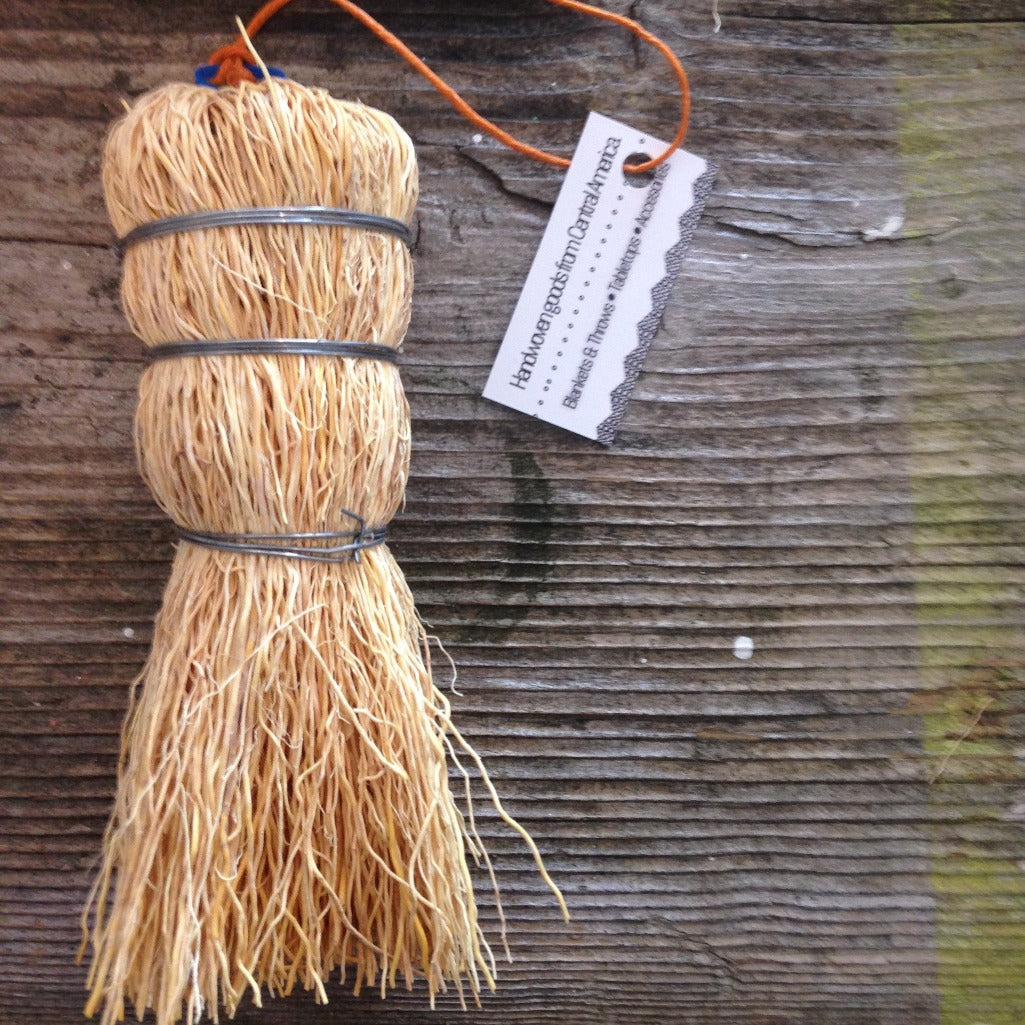 Natural Mexican Root Brush - Medium