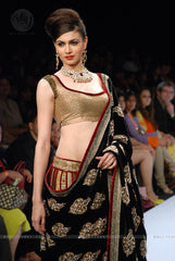 1004 Fishcut black-gold lehenga