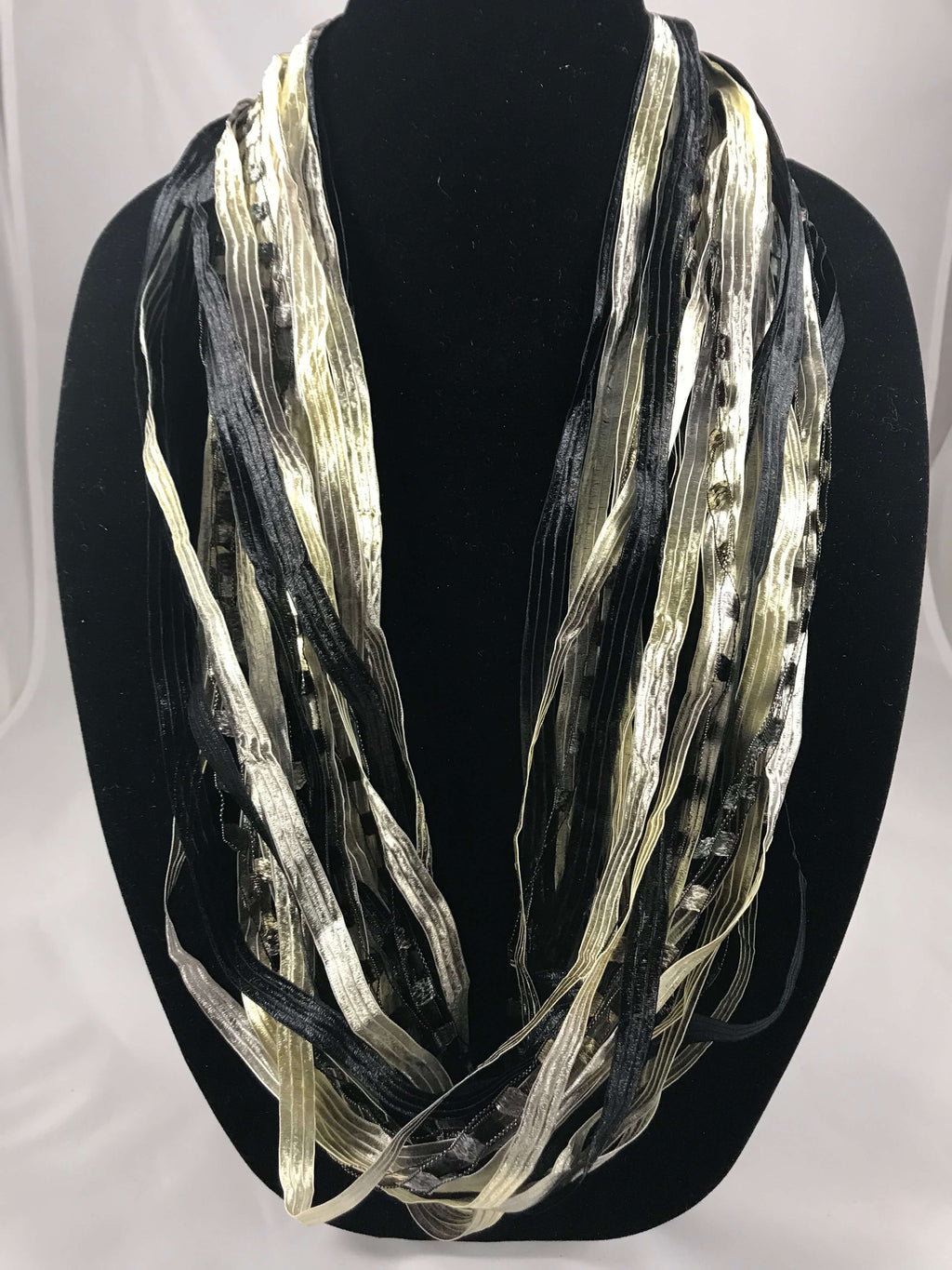Black & Silver | Fiber Necklace