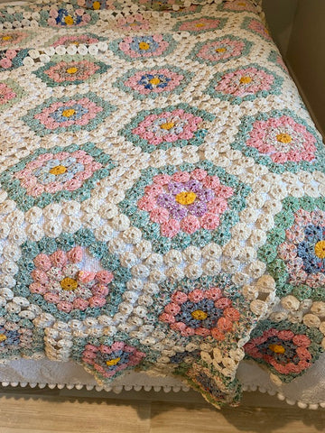 Antique Flower Garden Yo Yo Quilt