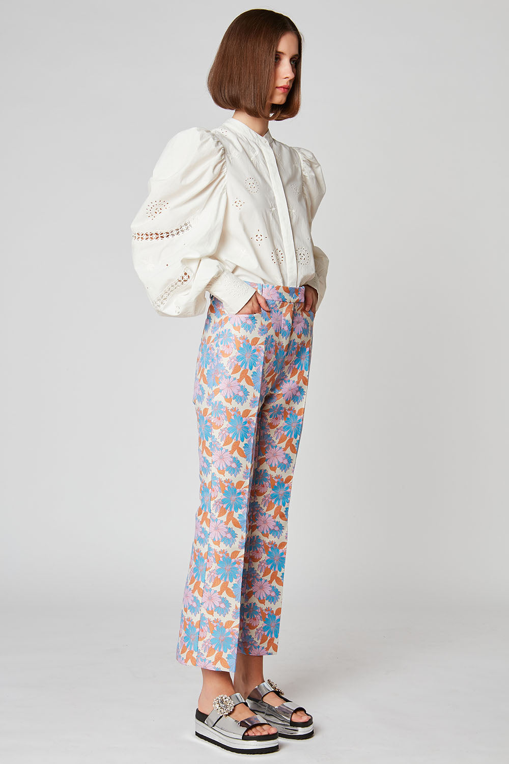 High-waisted trousers in floral jacquard