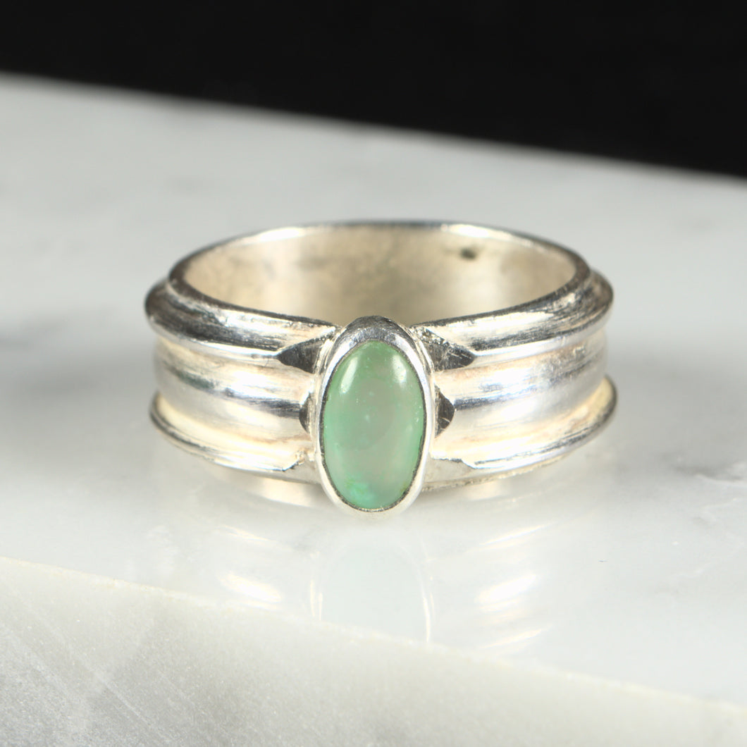 Swaged Sterling Silver and Chrysoprase Ring. Size 8