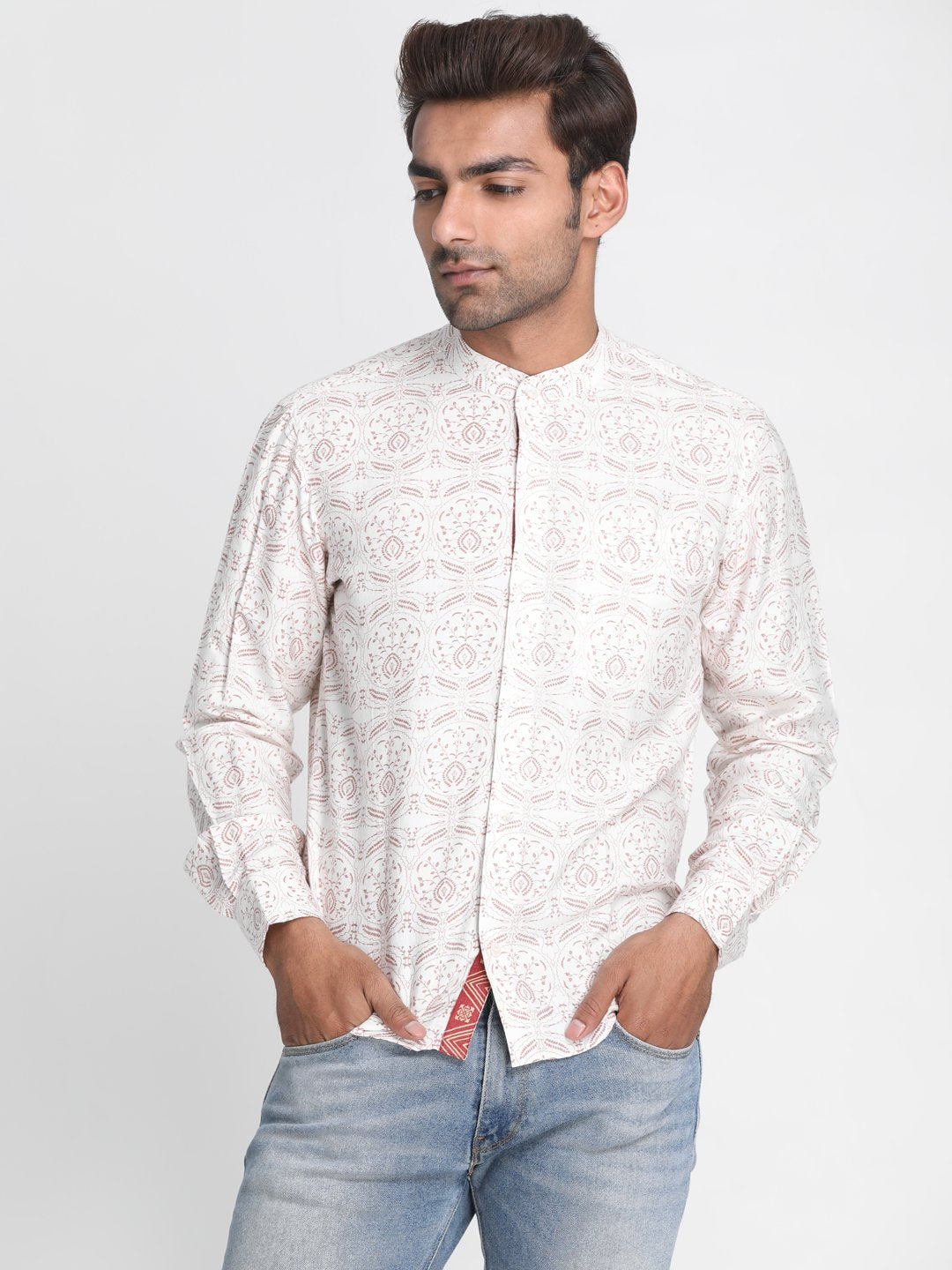 Men White & Red Slim Fit Printed Casual Shirt