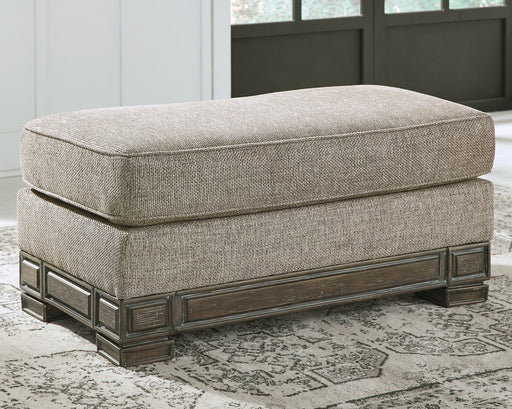 Einsgrove Signature Design by Ashley Ottoman image