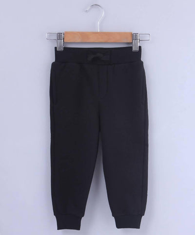 Black Jogger - MANERAA