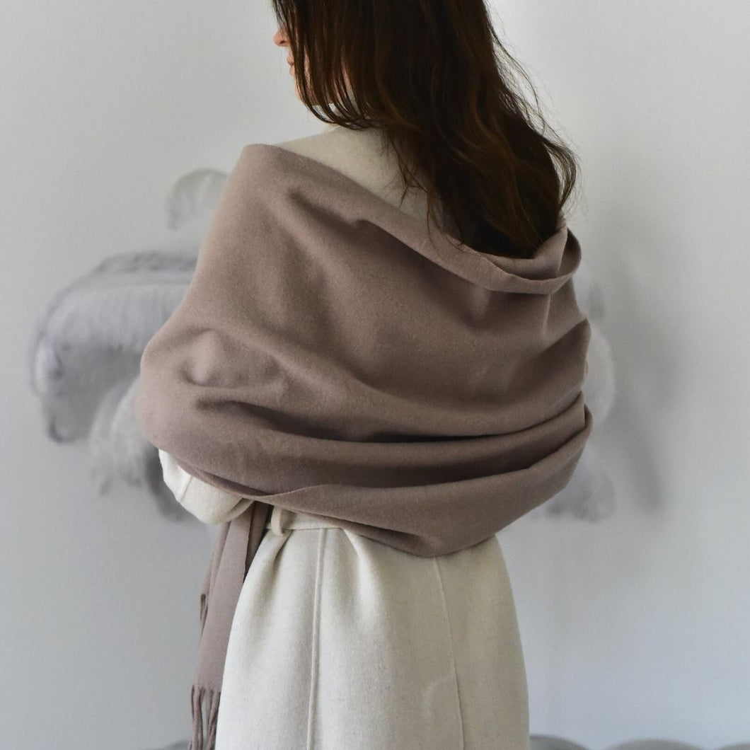 Woll Stola in Taupe