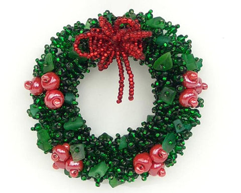 Wreath with Red Berries Brooch