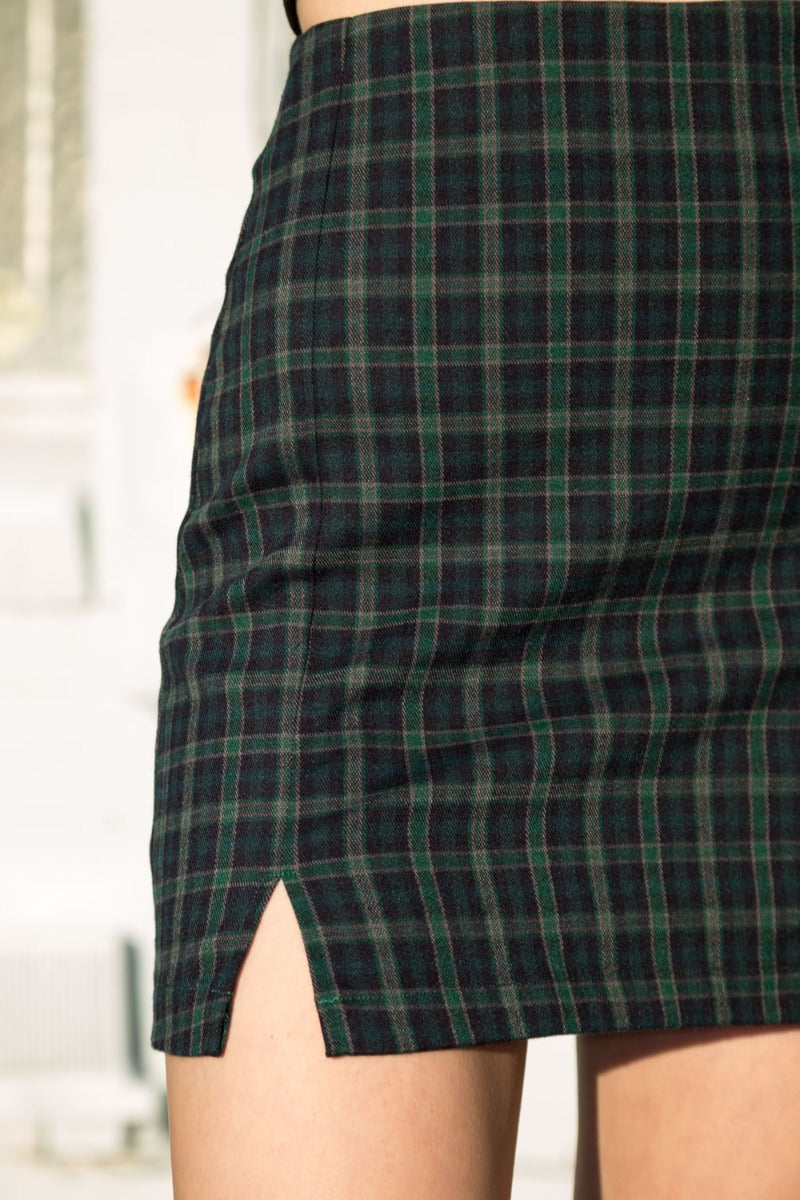 Dark Green Emerald Maroon and Navy Blue Plaid / S