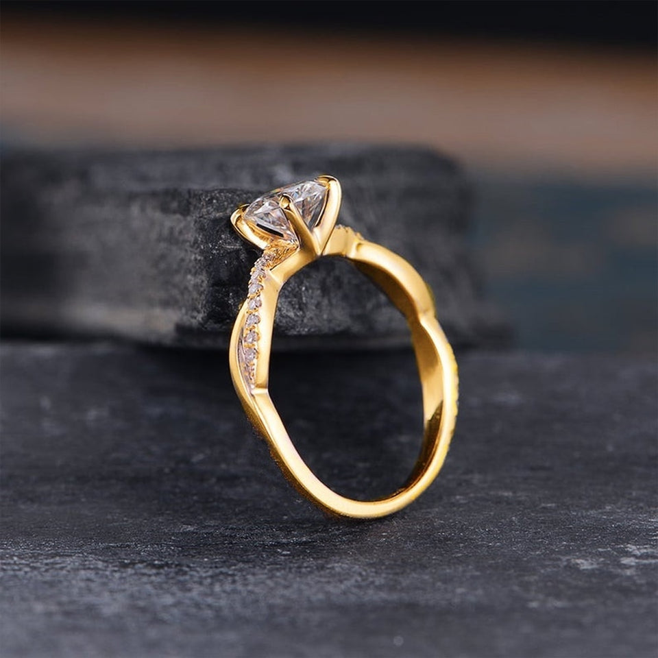Twist Romantic Ring