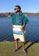 Lade das Bild in den Galerie-Viewer, WAVE HAWAII Poncho Petrol, Velour