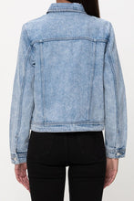 Load image into Gallery viewer, Light Wash Denim Jacket