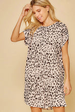 Load image into Gallery viewer, Leopard Shift Dress