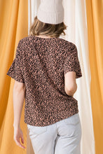 Load image into Gallery viewer, Leopard Front Knot Top
