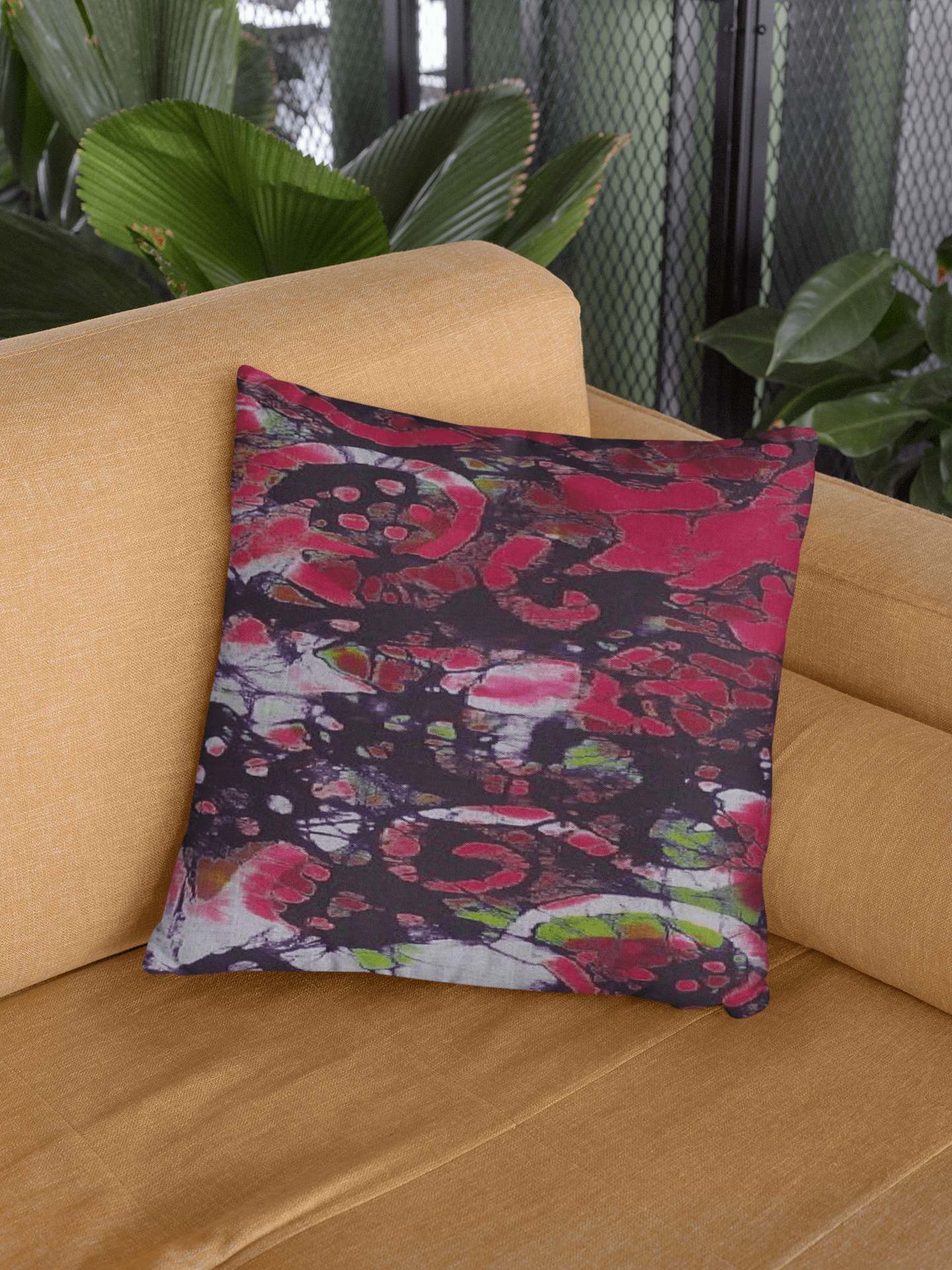 BATIK-Pillow-NIKO-Context