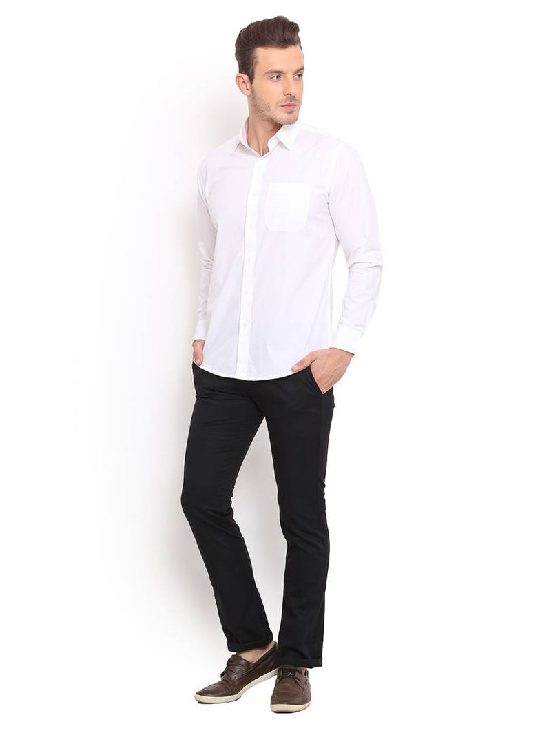 Stylish Cotton Black Solid Smart Fit Chinos For Men
