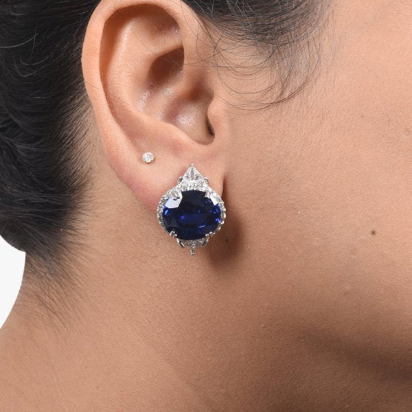 BALI STYLE OVAL BLUE SAPPHIRE WITH DIAMONDS