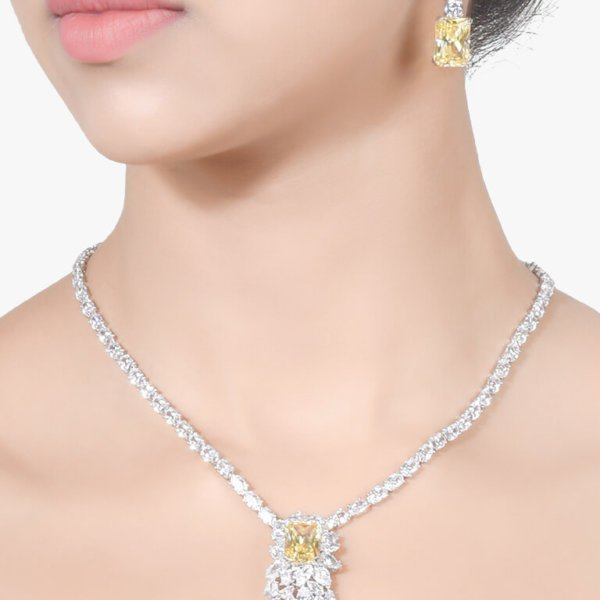 SOLITAIRE NECKLACE WITH SQUARE YELLOW SAPPHIRE AND DIAMOND PENDANT AND EARRINGS
