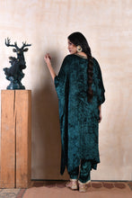 Load image into Gallery viewer, Long cape style sequinned kurta in emerald shaneel with matching drawstring pants