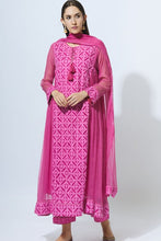 Load image into Gallery viewer, Embroidered Kurta Set