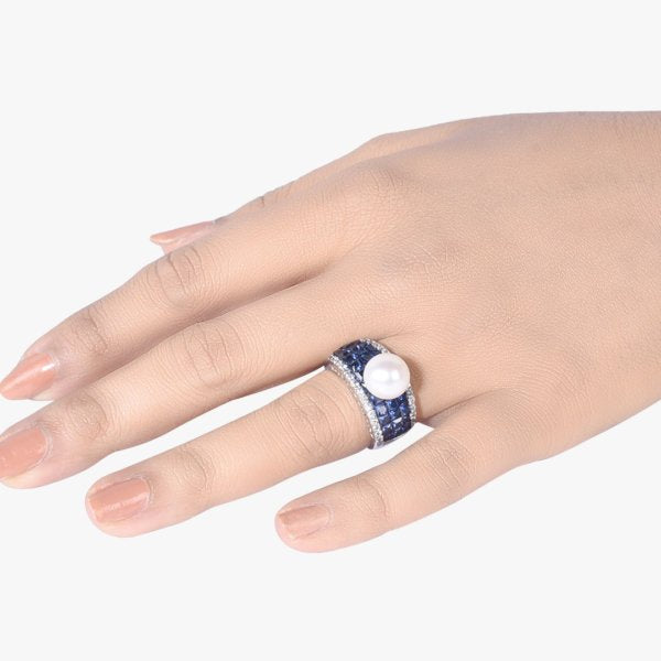 BLUE INVISIBLE SETTING WITH CULTURED PEARL