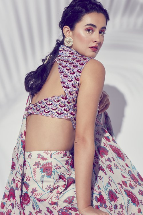 Pink Jaal Printed Gillet Saree With Highlighted Blouse & Embroidered Belt