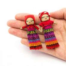 Load image into Gallery viewer, Holding Hands on Card. Handmade in Guatemala. Gifts